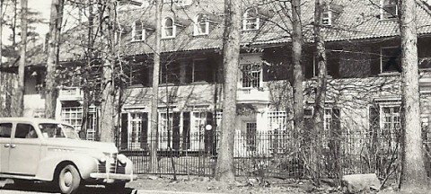 A big mansion with a crescent drive way that became Lyndhurst Lodge