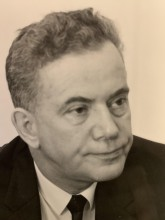 head and shoulder shot of Donald Curren